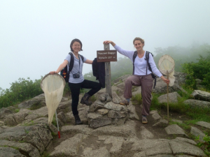 Yifu (left) and Margo (right) atop Dieppe summit at Mont St. Hilaire. Excellent spider-hunters!